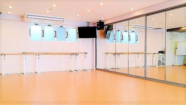 六本木 ダンススタジオ バレエ フォルトゥーナ バレエバーの画像